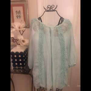 Beautiful BoHo silk 3/4 sleeve mint blouse